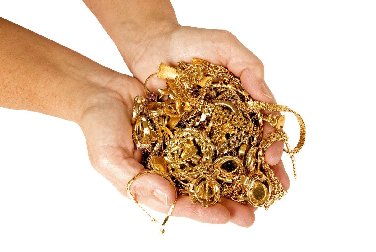 Što trebate znati prije prodaje zlata